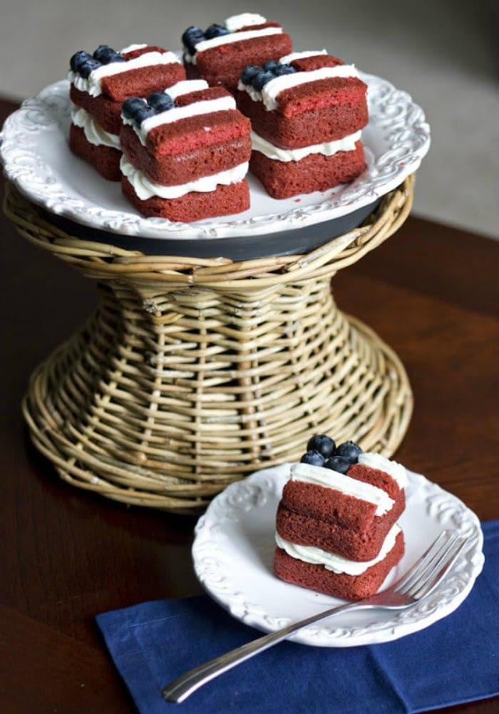 Mini Flag Layer Cake http://jennsblahblahblog.com #jbbb
