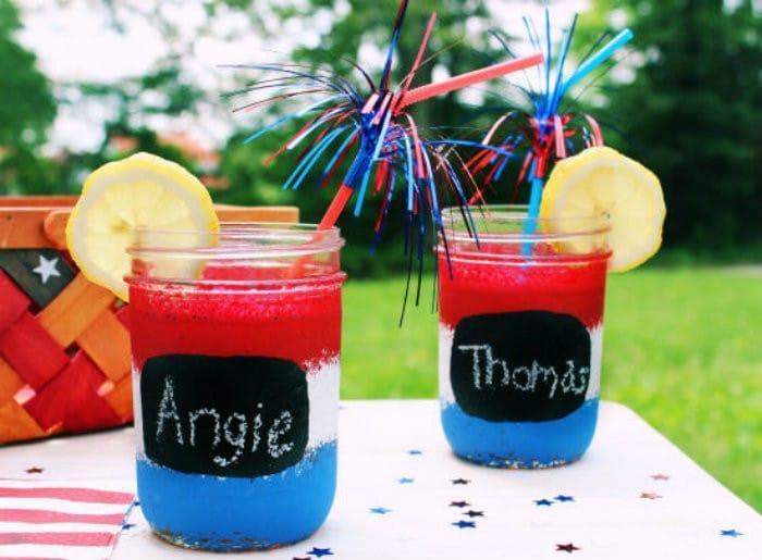 Red White and Blue Mason Jars Recipe http://jennsblahblahblog.com #jbbb