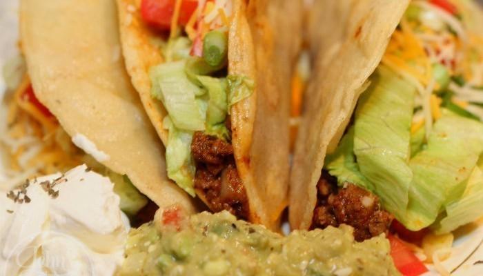 Super Easy 15 Minute Chipotle & Garlic Meat Tacos Recipe
