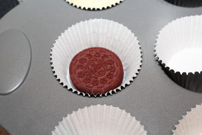 White Chocolate Cupcake Stuffed With Red Velvet OREOs
