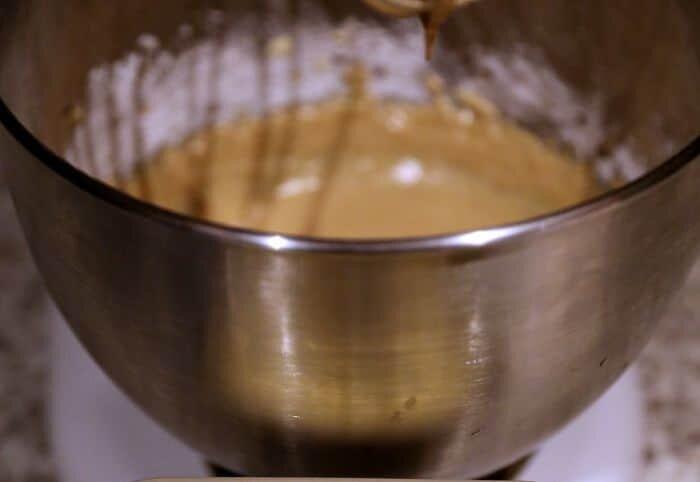 caramel frosting