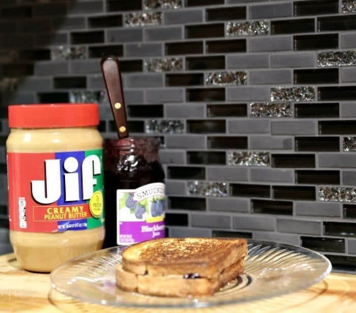 jif peanut butter and smuckers jelly