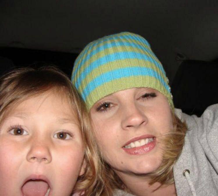 jenn worden and vayda worden mom and daughter