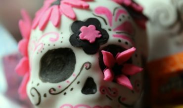 Day of the Dead Candy Stuffed Sugar Skull Mini Cakes
