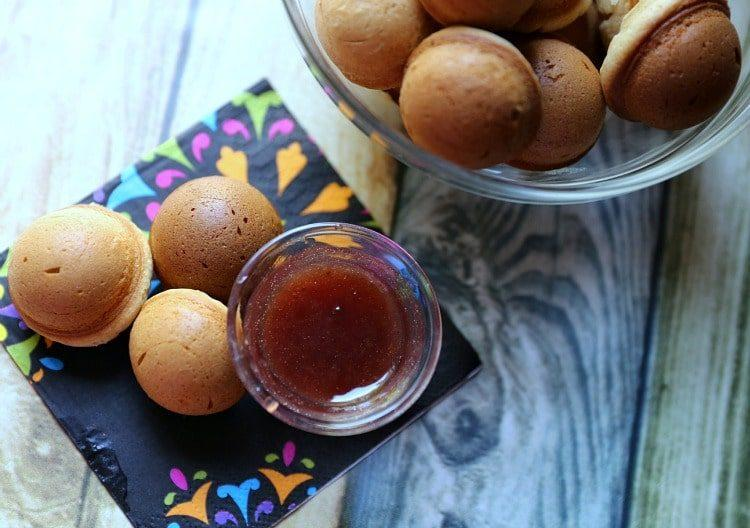 Easy Bake Peanut Butter & Jelly Donut Holes
