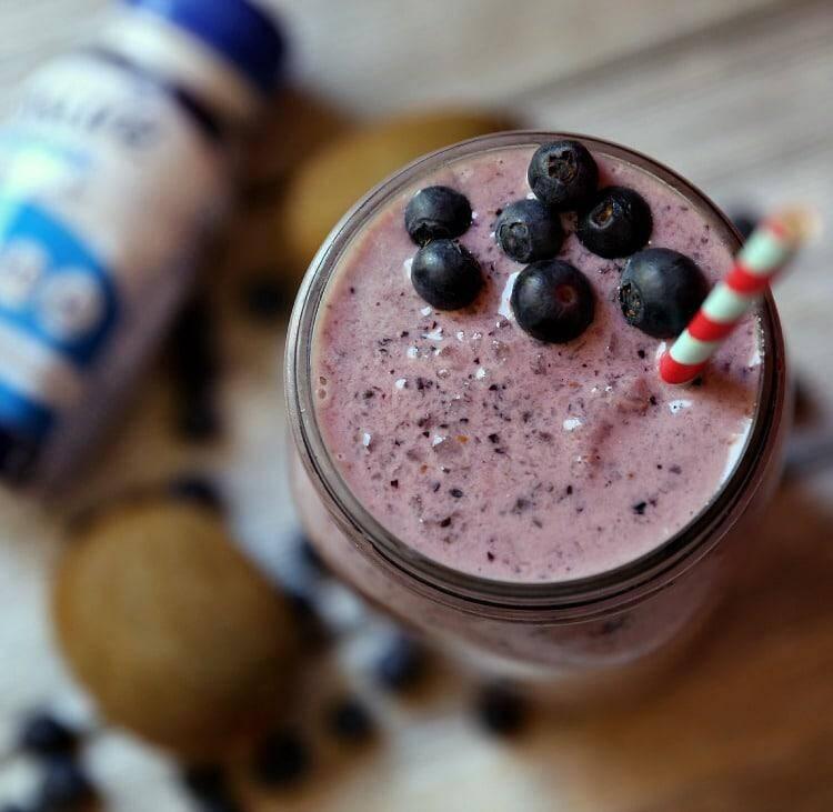 Berry Kiwi & Chia Seed Smoothie Recipe