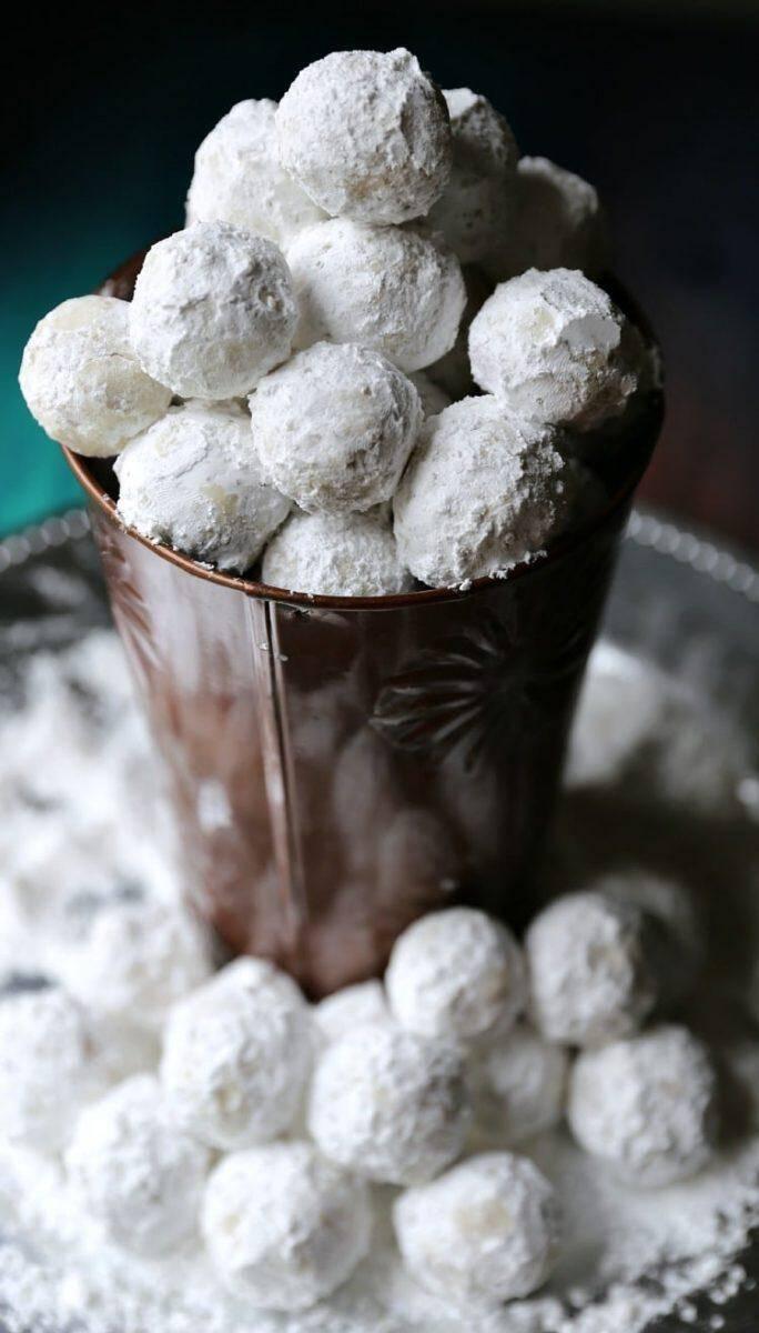 No Bake Peanut Butter Balls with Powder Sugar