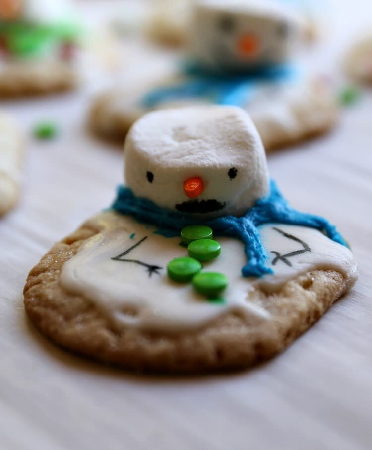 Yummy Melted Snowman Chewy Sugar Cookie Recipe