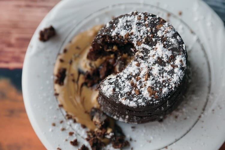 Peanut Butter Chocolate Molten Lava Cakes