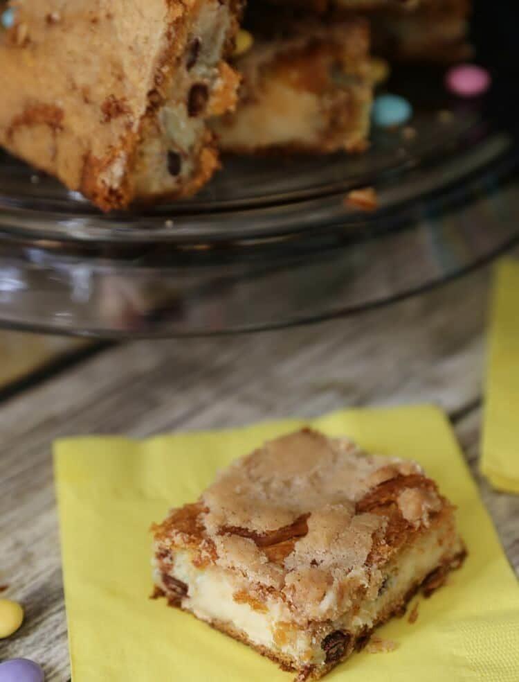 Easy M&M Sopapilla Cheesecake Bars Recipe