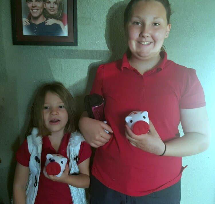 Vayda and Mattie with Piggy Bank (1)