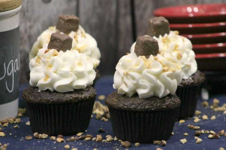 Deliciously Yummy Snickers Cupcakes Recipe