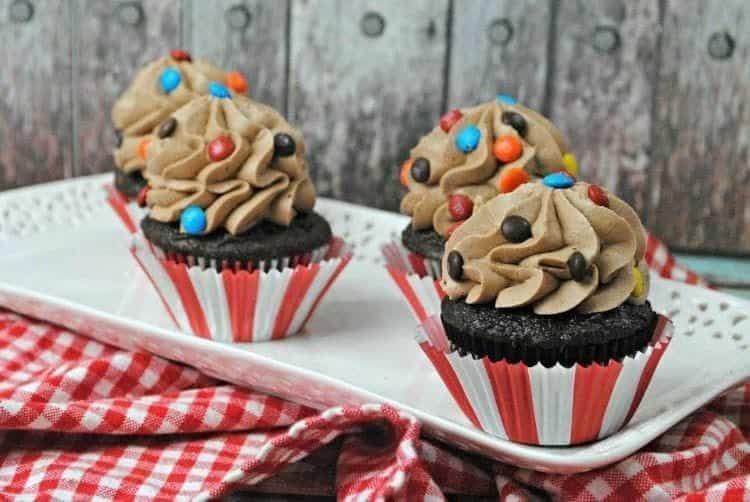 Drool-Worthy M&M Cupcakes Recipe