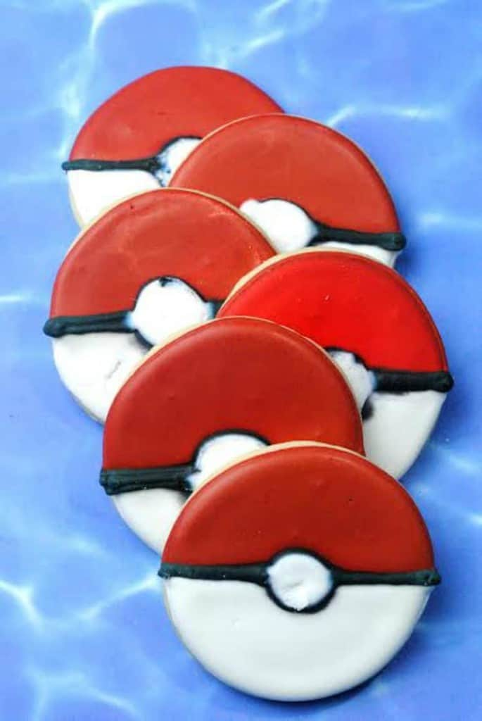 Pokemon Ball Cookies
