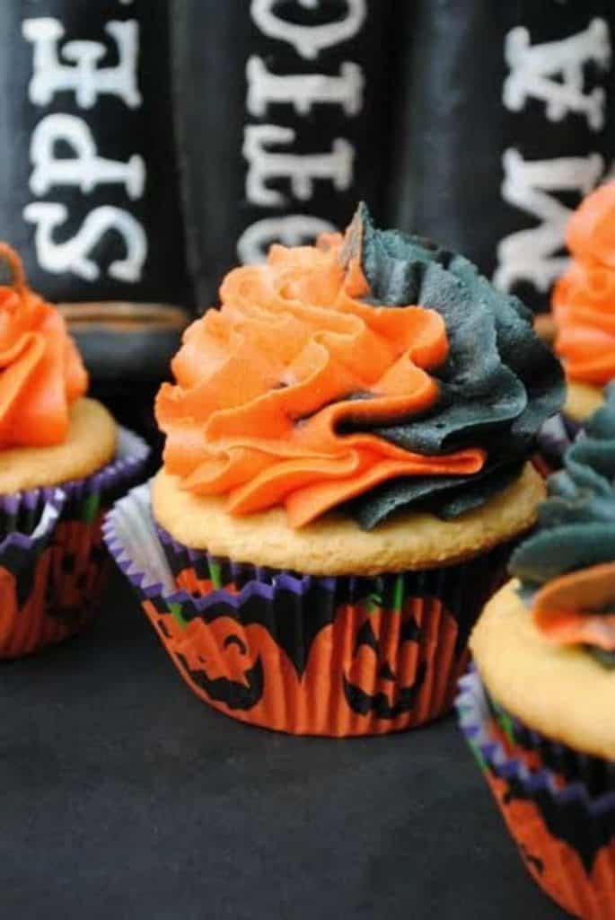 this-witches-cauldron-cupcake-recipe-is-amazing-1