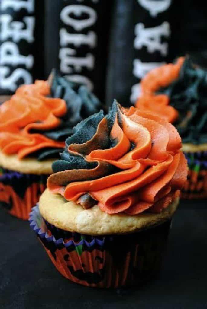 this-witches-cauldron-cupcake-recipe-is-amazing-3
