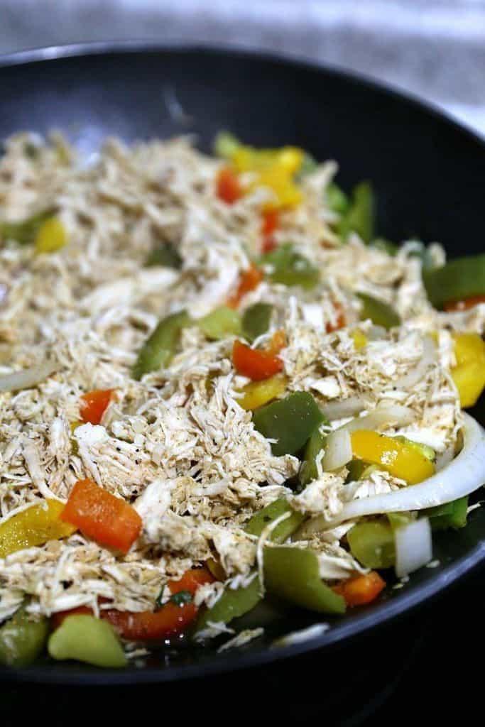 Easy Chicken Fajita Taco Boats Recipe