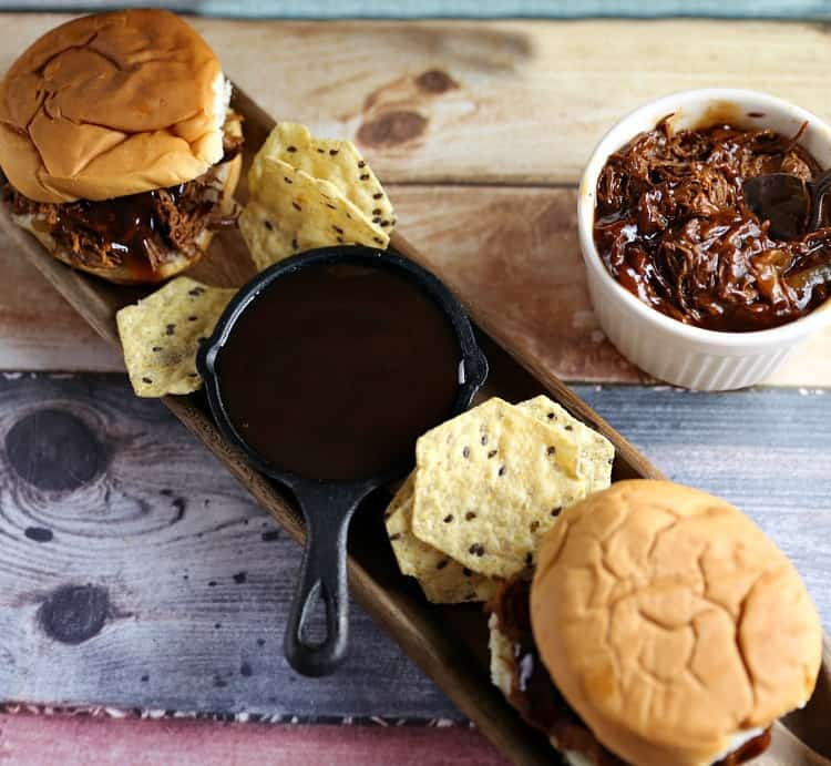 Zesty Slow Cooker Barbeque Chicken Sandwiches Recipe
