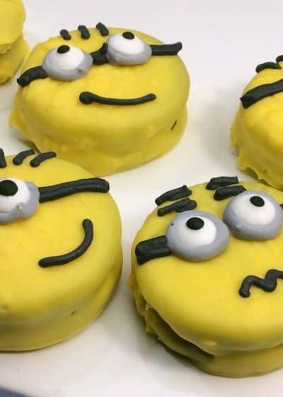 Quick & Easy Minions Cookies You Don't Wanna Miss