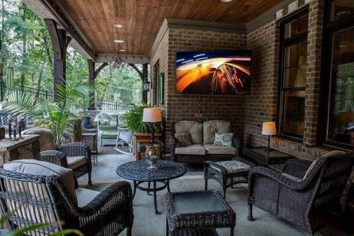 Enjoy Your Home Theater Outdoors 6