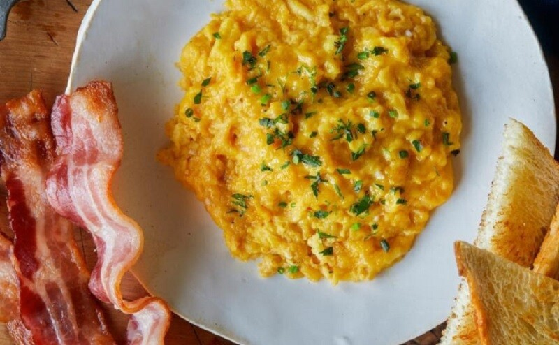 What are Scrambled Eggs? How are they cooked? 4