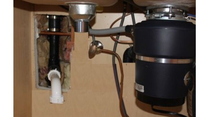 DIY Garbage Disposal Troubleshooting Guide for Moms 2