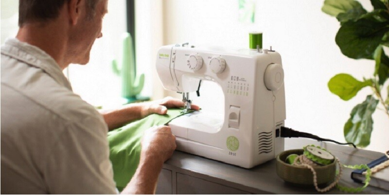 Beginners' Tips And Tricks For Sewing Machine 2