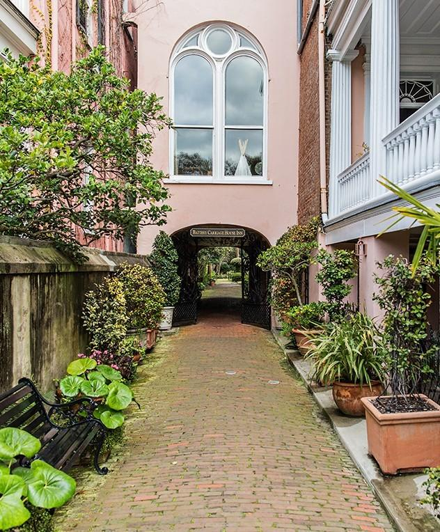 BATTERY CARRIAGE HOUSE INN Bed and Breakfast Things To Do In Charleston | FIJI Waters Earths Finest City Guide