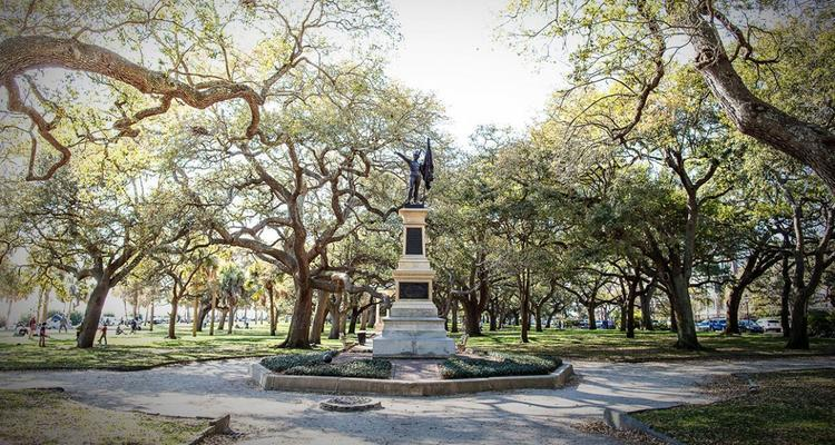 CHARLESTON Horse and Buddy Tour Things To Do In Charleston | FIJI Waters Earths Finest City Guide