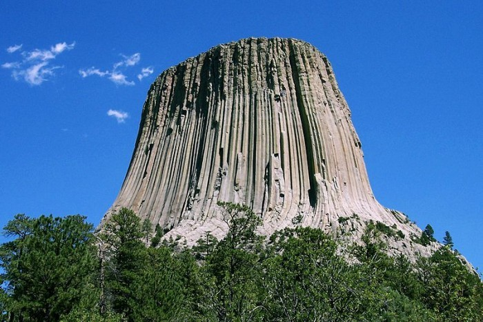 Devil's Tower Wyoming 700x466 Five 'Must Climb' Rock Faces in North America