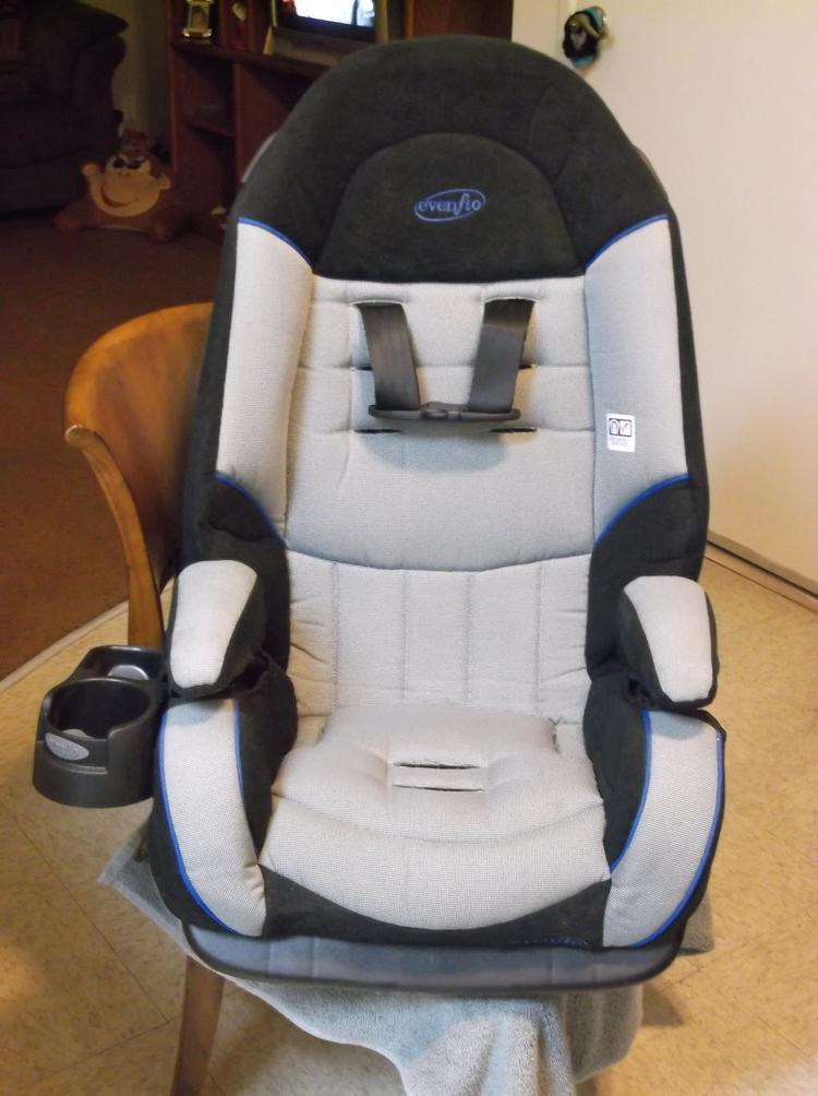 camra pics 0085 The Evenflo Platinum Symphony DLX All In One Car Seat!! Baby's Got A New Cadillac,
