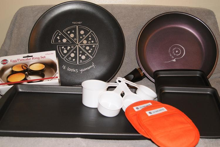 Make Mealtime Less Daunting With DuPont Teflon Products!! #GiftGuide  2