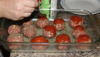 Super Awesome, Totally Easy, Big Meatball Recipe