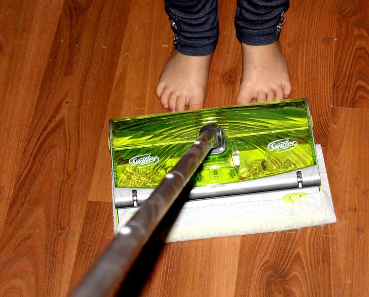 Keep Hardwood Floors Clean With The Swiffer Sweep Amp Trap